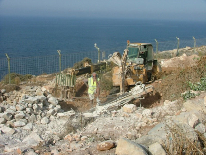 Drilling for Gewi Piles